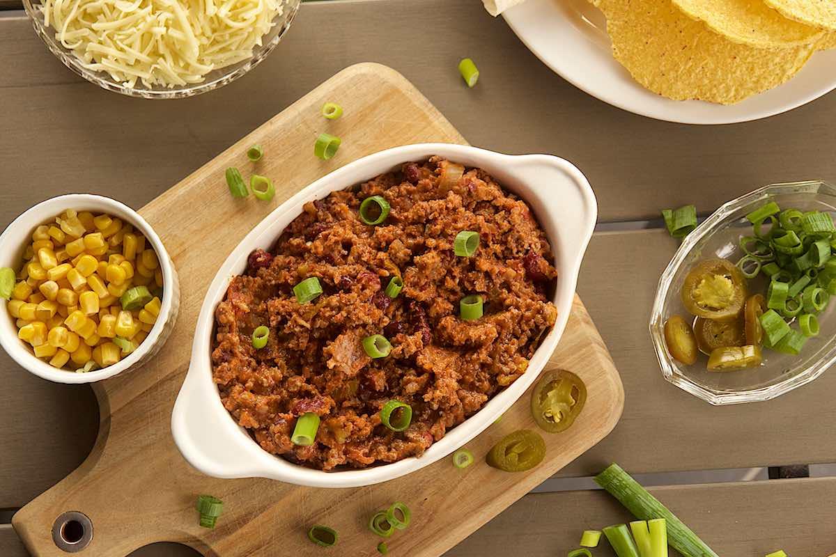 Easy chilli con carne recipe | easy chili con carne recipe with bread