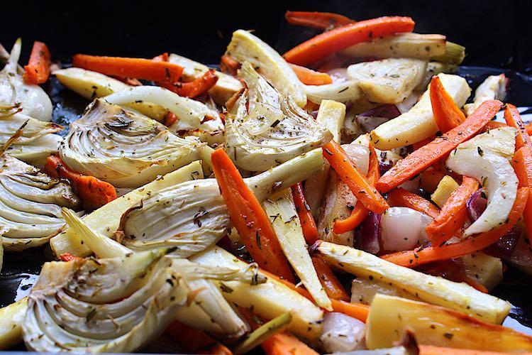 Gegrilde venkel en wortel uit de oven or gegrilde wortelen en venkel uit de oven