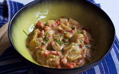 Braised Belgian endives with bacon and creamy cheese sauce