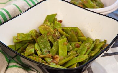 Italian green beans with garlic and onion