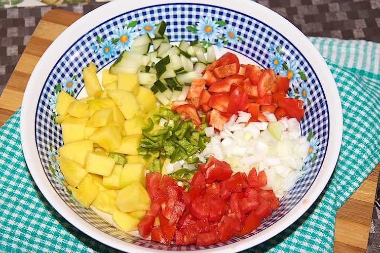 Chopped mango salsa ingredients