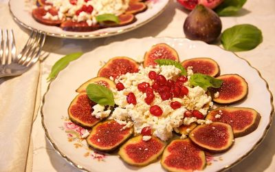 Fresh fig and feta salad with pomegranate