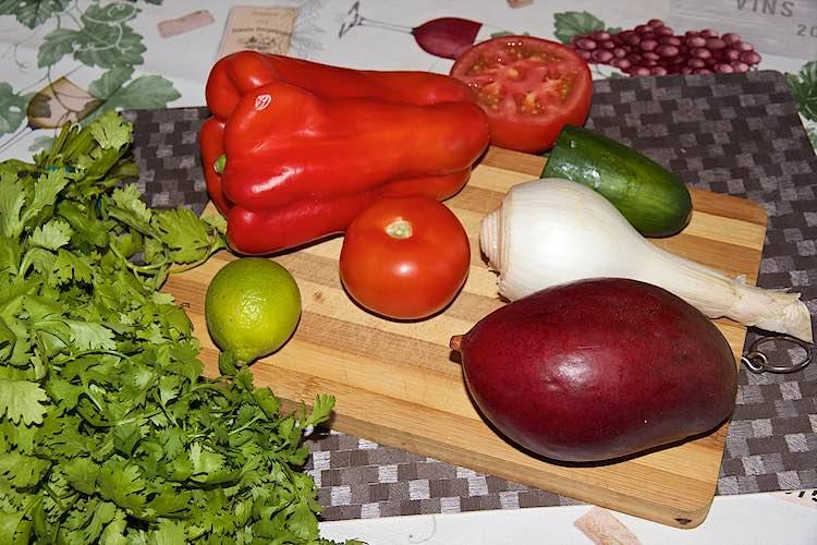 ingrediënten om mango salsa te maken