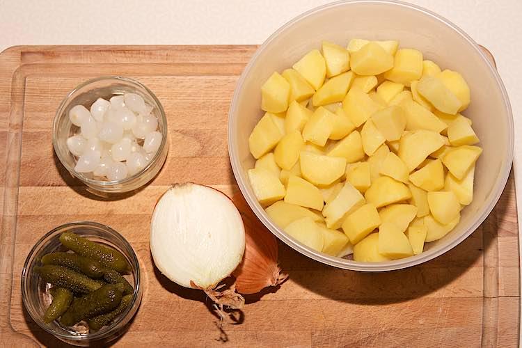 aardappelsalade met augurk ingrediënten