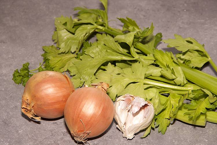 ingredients mussels mariniere onions celery garlic
