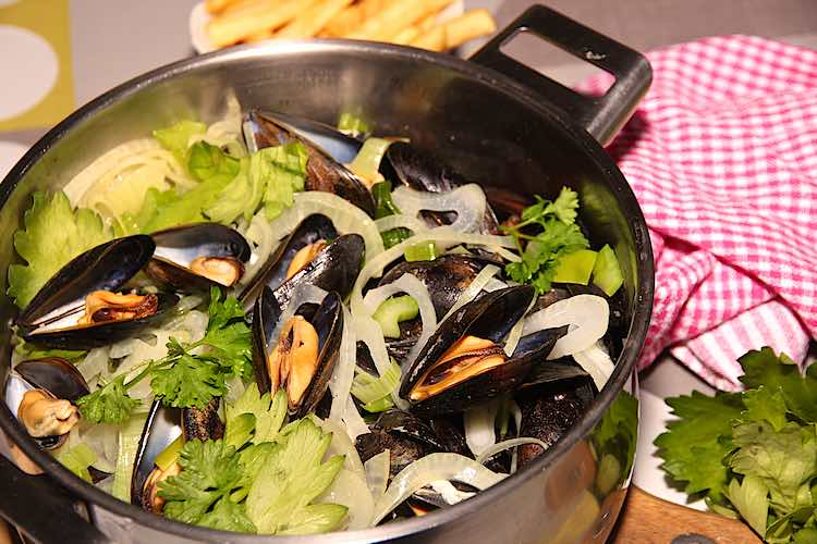 close up of moules marinieres with frites or french fries