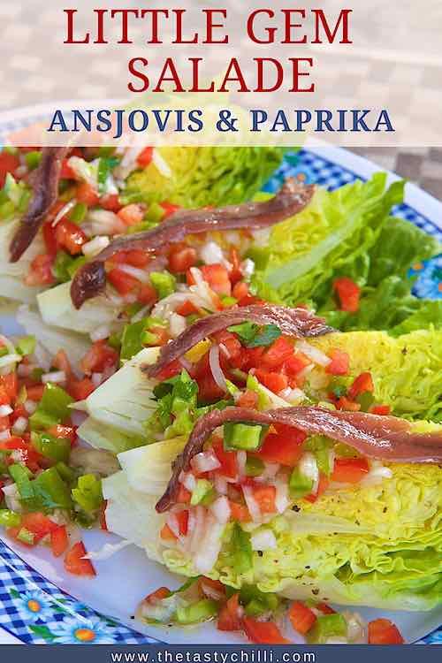 Little gem salade met paprika salsa en ansjovis fillet op spaanse wijze zoals cogollos de tudela