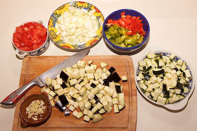 instructions how to chop vegetables for ratatouille