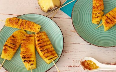 Spicy grilled pineapple spears