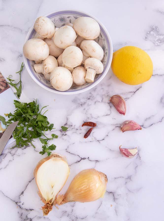 ingrediënten voor Spaanse knoflookchampignons